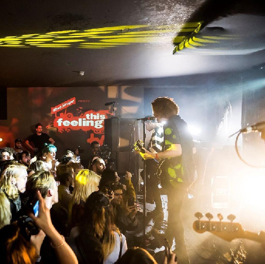 Live music gig played in Southampton,main singer on guitar  inspiring Southampton free